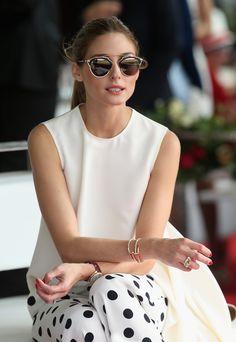 オシャレなサングラスのデザイン。