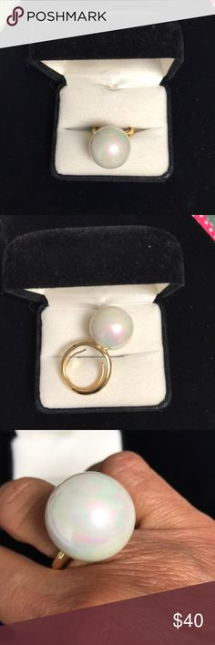 Giant Pearl Statement Ring NWOT Hollywood styling very fun to wear. Size 8 with adjustable liner. From Nordstrom. Nordstrom Jewelry Rings