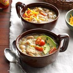 Pressure Cooker White Bean Chicken Chili Recipe -My sister shared this chili recipe with me. The jalapeno adds just enough heat to notice but not too much for my children. —Kristine Bowles, Albuquerque, New Mexico White Bean Chicken Chili, White Bean Chili, No Bean Chili, White Beans, White Chicken, Chili Recipes, Crockpot Recipes, Chicken Recipes, Soup Recipes