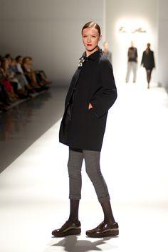 Tot-hom_FW14_16 #tothom #tot-hom #pretaporter #lineaa #modamujer #moda #fashion #desfile #fw14 #Barcelona #Madrid #tendencia #streetstyle #model #modelo #sneaker #blucher #abrigo #pantalonpitillo #vestido