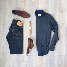 Essentials by mitchyasui New York Fashion, Daily Fashion, Mens Fashion, School Looks, Mode Outfits, Fashion Outfits, Casual Wear, Men Casual, Dapper Suits