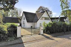 Rietgedekte villa met dubbele garage | Wassenaar, Zuid-Holland | Laan van Koot 2 a, WASSENAAR | via Qualis.nl te koop aangeboden