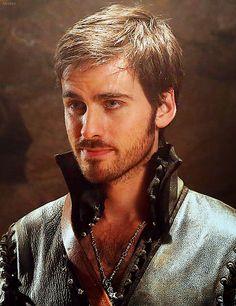 Once Upon a Time's Captain Hook aka Killian Jones aka Colin O'Donoghue <3