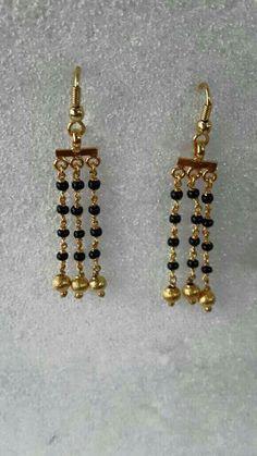 Gold Jhumka Earrings, Funky Earrings, Jewelry Design Earrings, Gold Earrings Designs, Simple Earrings, Beaded Earrings, Beaded Jewelry, Jewellery, Gold Jewelry Simple