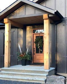 Grey Exterior, Cottage Exterior, Exterior Paint Colors, Exterior Siding, Exterior House Colors, Modern Exterior, Exterior Design, Grey Siding, Rustic Exterior