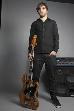 Sandy Beales - Bassist for One Direction Still Photography, One Direction, Music Artists, Dan, Bomber Jacket, Celebrities, Pictures, Celebs, Musicians