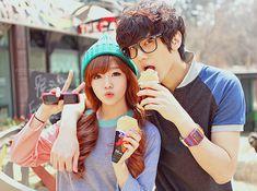 teen couples Asian