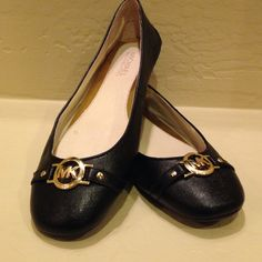 FLASH SALEMICHAEL Michael Kors Flats Brand new (w/o box) MICHAEL Michael Kors black flats. Super adorable ❤️ Perfect for any occasion! Size 7.5. No trades MICHAEL Michael Kors Shoes Flats & Loafers