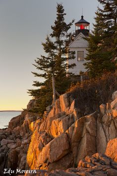 Bass Harbour lighthouse by Eduardo Moreira on 500px