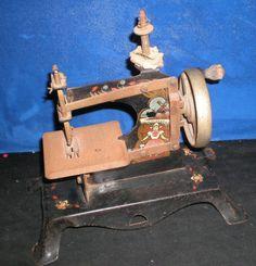 Vintage Antique CHILDS tin hand crank SEWING MACHINE Holland Dutch steel GERMAN?