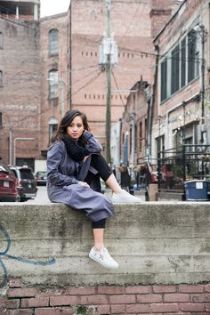 Minimal Fall Outfit Gray Duster Coat with Black Trousers and Axel Arigato Sneakers | le-jolie.com