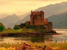 Eilean Donan Castle. Scottish Highlands