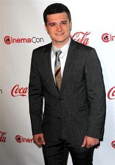 """Josh Hutcherson: """"el éxito de 'Los juegos del hambre: En llamas' es increíble"""" http://www.europapress.es/chance/cineymusica/noticia-josh-hutcherson-exito-juegos-hambre-llamas-increible-20120818131120.html"""