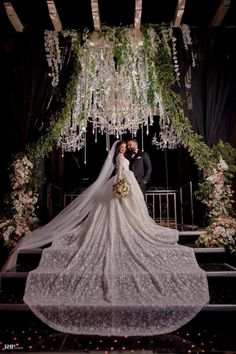 Save Money With These Great Wedding Tips. Whether you are researching wedding suggestions for yourself or even for a friend or loved one that has asked for help, you will undoubtedly realize that w Dream Wedding Dresses, Bridal Dresses, Wedding Gowns, Bridesmaid Dresses, Wedding Photoshoot, Wedding Pics, Wedding Day, Budget Wedding, Dream Wedding