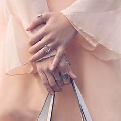 All about sweet details  #vilanova #vilanova_accessories #vilanovalovers #fashion #fashionista #accessories #details #nude #newin