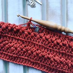 Free crochet pattern for the Brickfield infinity cowl