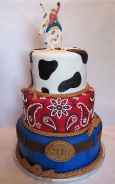 15 Fun, Colorful, and Popular Birthday Cake Ideas Rodeo Party, Rodeo Birthday Parties, Cowboy Party, Birthday Ideas, Western Birthday Cakes, Western Cakes, Funny Birthday Cakes, Cowgirl Birthday, Cow Cakes