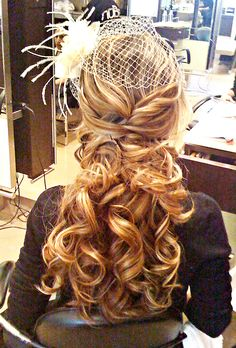 I really like this hair style.  The big waves/curls are natural and romantic.