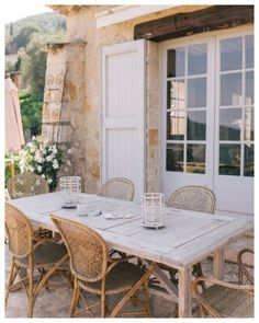 A Luxuriously Natural Beauty & Lifestyle Collection from Aix-en-Provence, France. Locally made with natural Provence ingredients, by Beautisans. Outdoor Rooms, Outdoor Dining, Outdoor Furniture Sets, Outdoor Decor, Aix En Provence, Beautiful Interior Design, Patio Table, Ciel, Decoration
