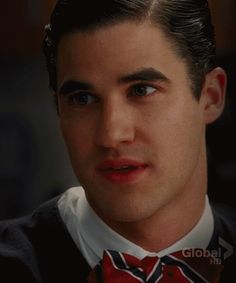 "whilelifepassesby: "" #STOP LOOKING AT KURT'S LIPS AND KISS HIM """