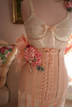 I need me some ridiculously and highly unnecessarily pretty undergarments