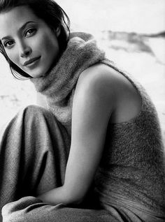 Christy Turlington <3 (Click on photo for larger image.) Photo found here: http://opusdesiderium.tumblr.com/post/31394131130/opusdesiderium