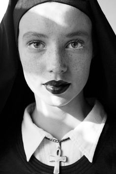 Portrait Photography the cheeky lipstick and freckles contrast the nuns strict image Black And White Portraits, Black And White Photography, Portrait Photography, Fashion Photography, Religion, Interesting Faces, Mannequins, Freckles, Your Hair