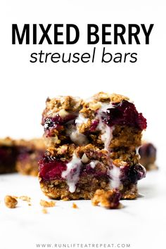 These mixed berry streusel bars are made with wholesome ingredients like oats, nut butter, and pure maple syrup. The crust and crumble topping are made from the same mixture so there's less bowls to clean! And the lemon glaze takes them up a notch! Savory Breakfast, Breakfast Recipes, Cookie Recipes, Dessert Recipes, Desserts, Egg Bake Casserole, Cinnamon Almonds, Sweet Recipes, Healthy Recipes