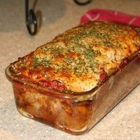 This meatloaf takes on Italian flavor with the addition of Parmesan cheese and an Italian herb blend. Serve this flavorful meat loaf with mashed potatoes and corn or green beans for a fabulous everyday meal. The meatloaf is made Meatloaf Recipe With Cheese, Cheese Stuffed Meatloaf, Meatloaf Recipes, Meat Recipes, Parmesan Meatloaf, Gluten Free Meatloaf, Italian Meatloaf, Turkey Meatloaf, Gluten Free Bread Crumbs