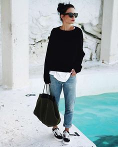 <3 @benitathediva  Loving this black oversized sweater paired with black lowtop Vans and boyfriend jeans. Casual look for everyday wear or just out running errands.