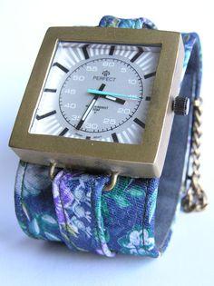 ręcznie oprawiany zegarek, bransoletka z krawata- projekt autorski