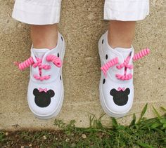 minnie mouse shoes for toddler size 6 - Bing Images Painted Sneakers, Painted Shoes, Birthday Party Outfits, 1st Birthday Girls, Baby Girl Shoes, Girls Shoes, Mickey Mouse Shoes, Minnie Mouse, Tye Dye