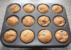 Muffiny so slivkami a makom, Koláče, recept   Naničmama.sk Muffin, Breakfast, Food, Morning Coffee, Essen, Muffins, Meals, Cupcakes, Yemek