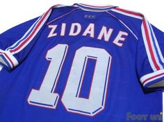 """""""France 1998 Home #10 Zidane""""  Classic , old clothes , it is the net shop of vintage football shirts(Soccer Jerseys). Assortment of difficult rare item available is also abundant.by Footuni"""