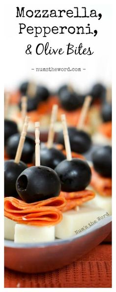 Mozzarella, Pepperoni & Olive Bites – One of the easiest and tastiest appetizers around. Takes less than 10 minutes to make and perfect for baby showers, weddings or parties! - Food and Drink Finger Food Appetizers, Yummy Appetizers, Appetizer Recipes, Appetizer Party, Wedding Appetizers, Easy Finger Food, Birthday Appetizers, Toothpick Appetizers, Baby Shower Appetizers