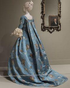 Resultado de imagen para moda en la epoca del 1550 al 1590 francia
