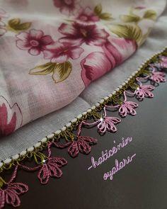 İgne oyası yazma modelleri Crochet Unique, Knit Shoes, Sweater Design, Knitted Shawls, Knitting Socks, Hand Embroidery, Diy And Crafts, Knit Crochet, Like4like
