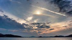 22 Sept. 18:03 日の入り前の博多湾です。 before sunset  ( Evening Now at Hakata bay in Zipangu )