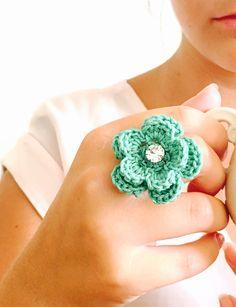 Un preferito personale dal mio negozio Etsy https://www.etsy.com/it/listing/252640638/ring-crochet-ring-green-mint-flower