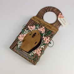 Good morning, what a lovely day for a die release :) and my post. Today I'd like to share with you this tooth fairy door h. Tooth Fairy Doors, Tonic Cards, Studio Cards, Elizabeth Craft, Craft Box, Door Hangers, Birthday Cards, 7th Birthday, Projects To Try