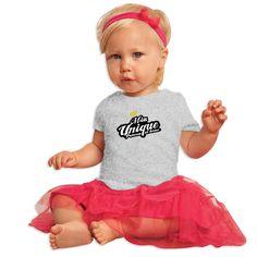 Miss Unique-Tshirt bébé MC 19€ by Tralala-Boutique vêtements pour enfants d'exceptions. Puisque je suis nulle à d'autre semblable. Au-dessus des autres du fait que l'on ne puisse me comparer à aucune autres. Tralala m'a créé un tshirt à mon image. C'est ça être Unique ! Boutique, Children, Bebe