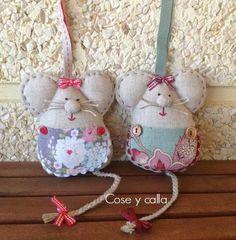Seam e calla: Tutoriais Felt Crafts, Fabric Crafts, Sewing Crafts, Sewing Projects, Handmade Crafts, Diy Crafts, Fabric Animals, Crochet Bookmarks, Felt Patterns