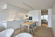 Appartement P #kattyghekiere #kattyghekiereinterieur #windelsinterieur #windelstotaalinrichting Loft, Design Ideas, Interior Design, Table, House, Furniture, Home Decor, Design Interiors, Homemade Home Decor