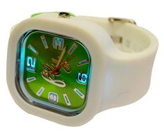 Fly watches pays tribute to St Patty's Day with this new collection of mix-and-match lucky watches! Make sure no one can pinch you come St Patty's Day by rockin' your Fly St. Patty's watch.  Our watches feature a shiny luminescent face with a raised silver fly logo and glow-in-the-dark p