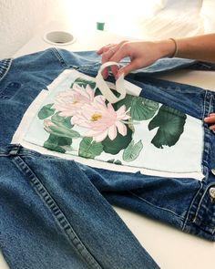 Tape peel of Japanese woodblock print by Ohara Koson Kessler Ramirez Art painted jacket with Painted Denim Jacket, Painted Jeans, Painted Clothes, Denim Paint, Diy Jeans, Jean American Eagle, Denim Kunst, Diy Kleidung Upcycling, Ohara Koson