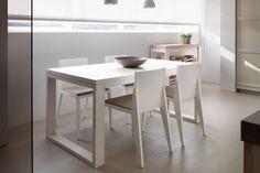 Mesa con sillas modelo Soho