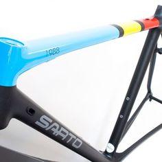 Frame Sarto, paint job Tony Spray for Marco #bike #bikelife #bikeporn #bicicletta #carbon #colors #custom #cycling #cyclist #cyclinglife #details #Frame Sarto #handmadeinitaly #instacycling #newbikeday #paint #ride #racing #roadbike #Sarto #tonyspray