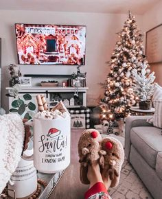 30 Christmas Aesthetic Images you must see: WARNING you will get Christmas mood INSTANTLY!
