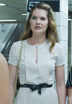 Sutton's blush pleated keyhole dress on The Bold Type.  Outfit Details: https://wornontv.net/73922/ #TheBoldType