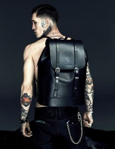 Jimmy Q Leather Backpack Jimmy Q, Look Fashion, Fashion Bags, Mens Fashion, Men's Backpack, Leather Backpack, Black Backpack, Well Dressed Men, Mode Style